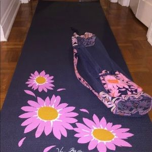 NWT Vera Bradley yoga mat & bag loves me sunflower